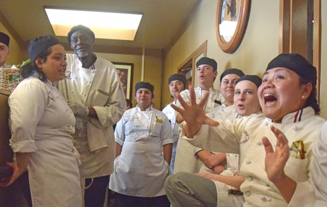 'Chef-a-holics' triumph in Iron Chef bout