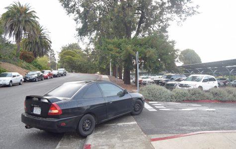Assailants rob student at gunpoint, avoid custody
