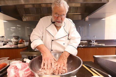 'Sausage king' dazzles