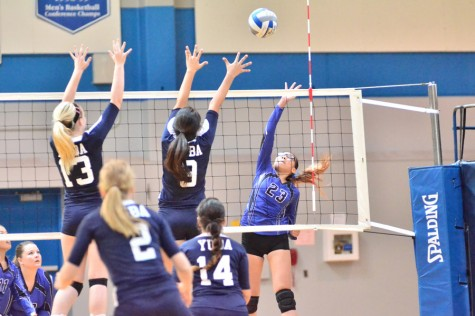 49ers dominate in straight sets