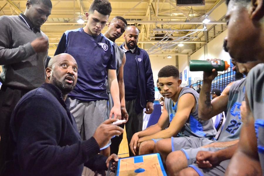 Men's basketball team boosts streak to three wins