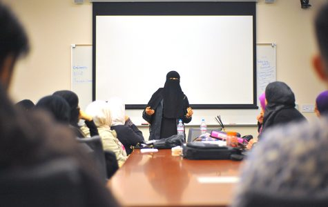 cody casares / The Advocate Muslim Student Association President Rayah Khaled designates tasks to members during their club meeting in the Student Administration Building on March 22. Khaled's approach for the club is to be active on campus.