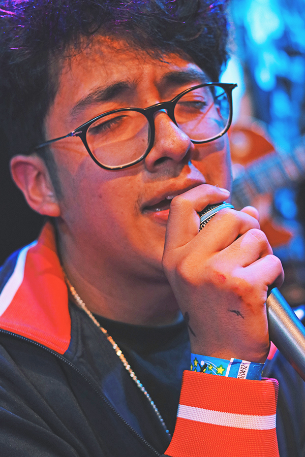 Cuco%2C+real+name+Omar+Banos%2C+sings+during+a+debut+performance+at++Rickashaw+Shop+in+San+Francisco%2C+Calif+on+Aug.+25.+