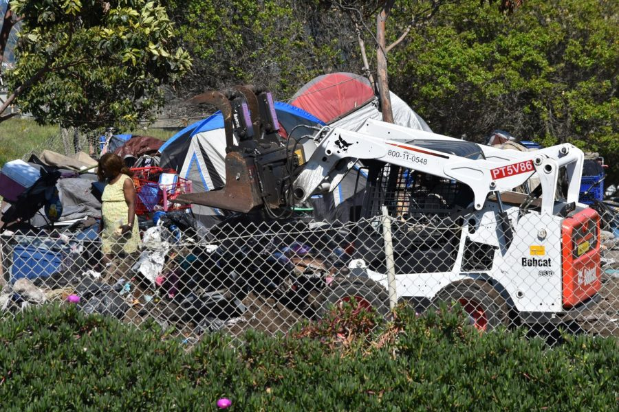 A+homeless+encampment+is+being+clear+on+March+30%2C+in+Berkeley%2C+California%2C+after+Gov.+Gavin+Newsom+issued+a+statewide+shelter-in-place+order.